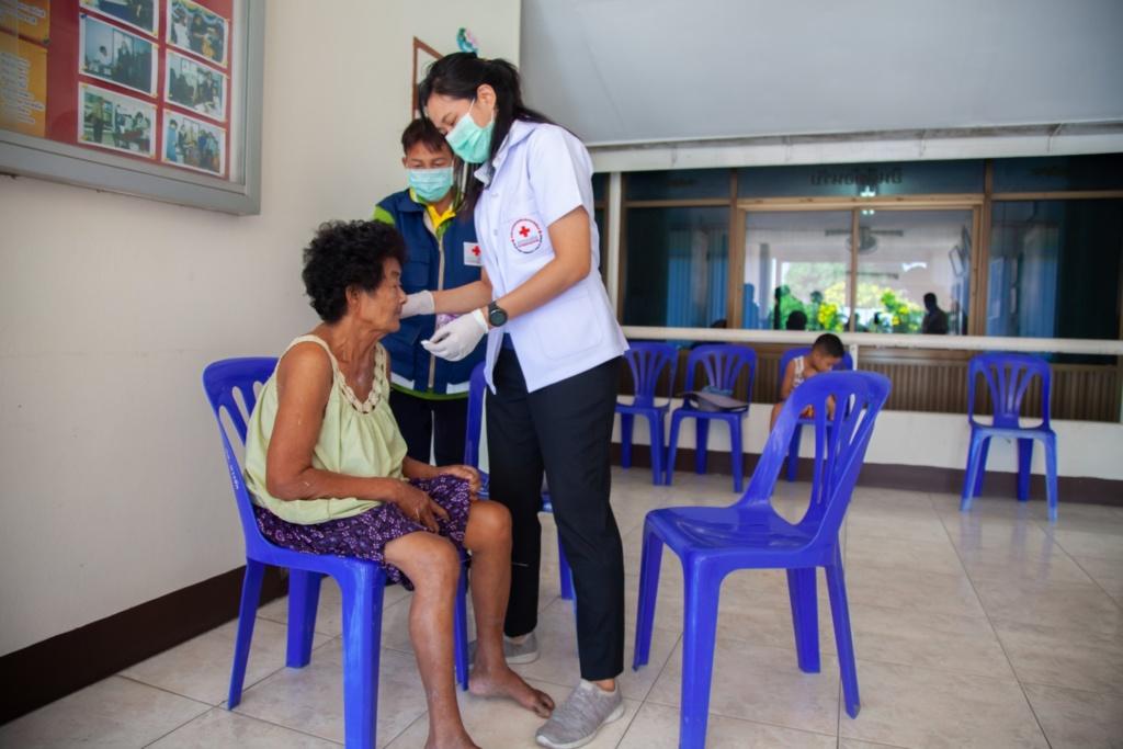 TRCS Mobile Medical Unit at Vejapha Chaloem Phra Kiat